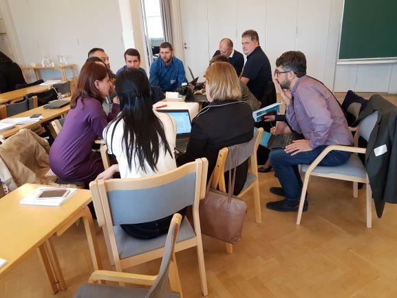 Osallistujia MAMBA-hankkeen tapaamisessa.