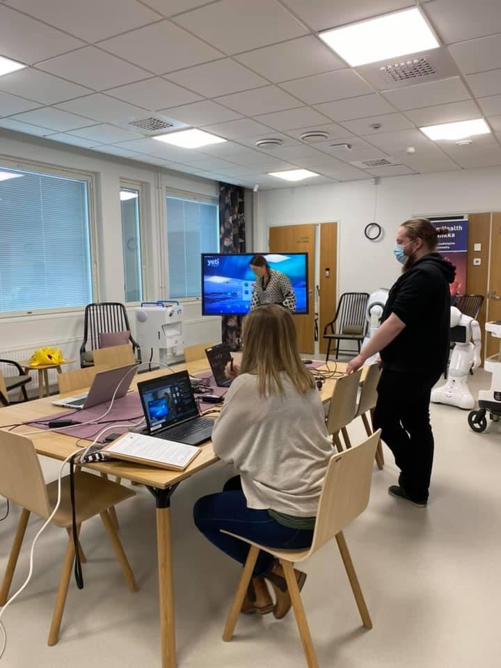 Älykotia esitellään Seinäjoen ammattikorkeakoulussa.